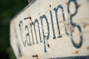 rv-life-styles-04; rv campground sign