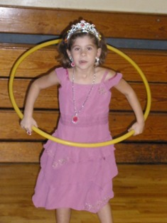 rv-road-trips-05; girl hulla hooping
