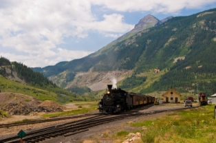 tourist-attractions-colorado-01;Durango and Silverton Narrow Gauge Railroad Train