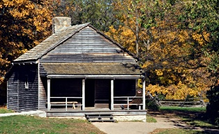tourist-attractions-in-illinois-02; lincoln log cabin