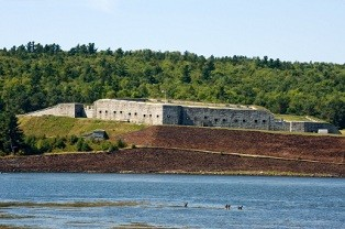 tourist-attractions-in-maine-02;fort knox state park