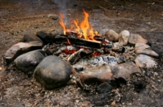 campfire-food-08; a beautiful campfire for songs and s'mores