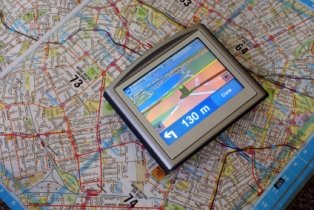 geocashing-01; gps system with map