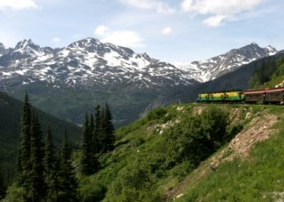 places-to-visit-in-alaska-02; white pass railroad