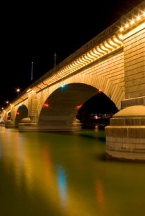 places-to-visit-in-arizona-02; london bridge arizona at night