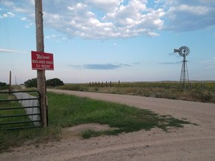 Road going to Badlands Ranch and Resort Campground, Interior South Dakota